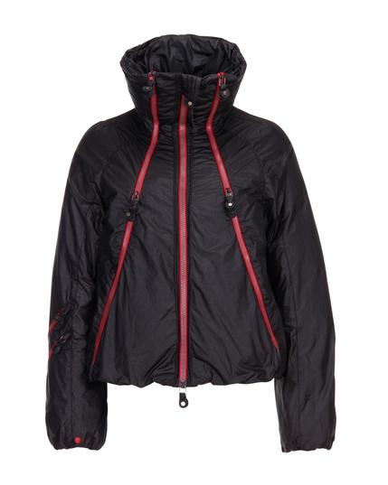 Skijacke von KUR, erhältlich für 599 Euro über www.REYERLooks.com