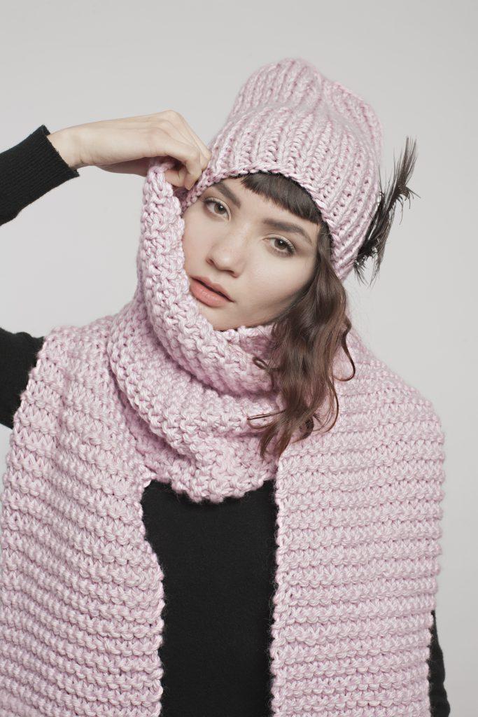 knittedlove_scarfundbeanie_rosa